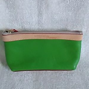 ⏳ CLEARANCE - Authentic Dooney & Bourke makeup bag
